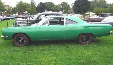 1969 Plymouth Road Runner 440 Six-BBL