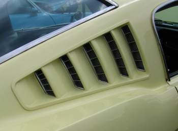 Mustang C-pillar Louvers