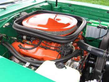 Plymouth 440 6BBL Engine